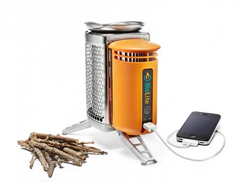 Печь и зарядка гаджетов на дровах BioLite CampStove от Madrobots
