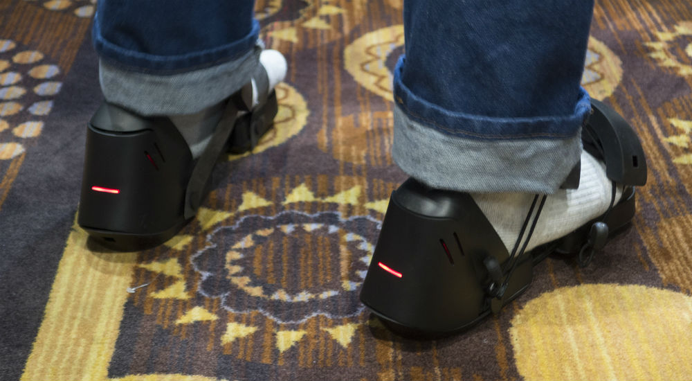 ces-2017-vr-and-ar-gadgets-07.jpg
