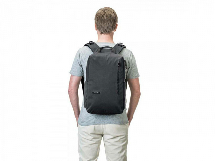 Рюкзак Pacsafe Intasafe Backpack